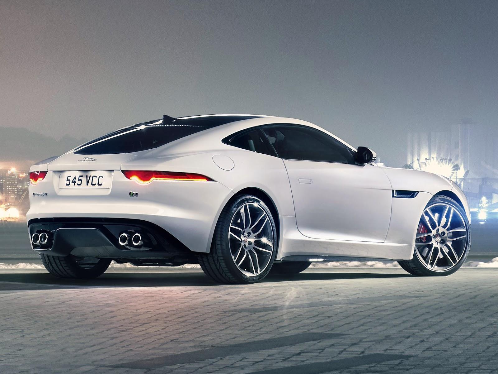 Já A Mais Apimentada Das Versões, A R Coupe [fotos], Traz Um 5.0 V8 De 550  Cv, Que Levam O Carro De 0 A 100 Km/h Em 4,2 Segundos E 299 Km/h ...